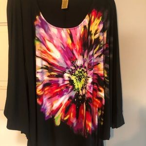 Valerie Stevens Tops - Beautiful Women's Top with Slits in the Sides.